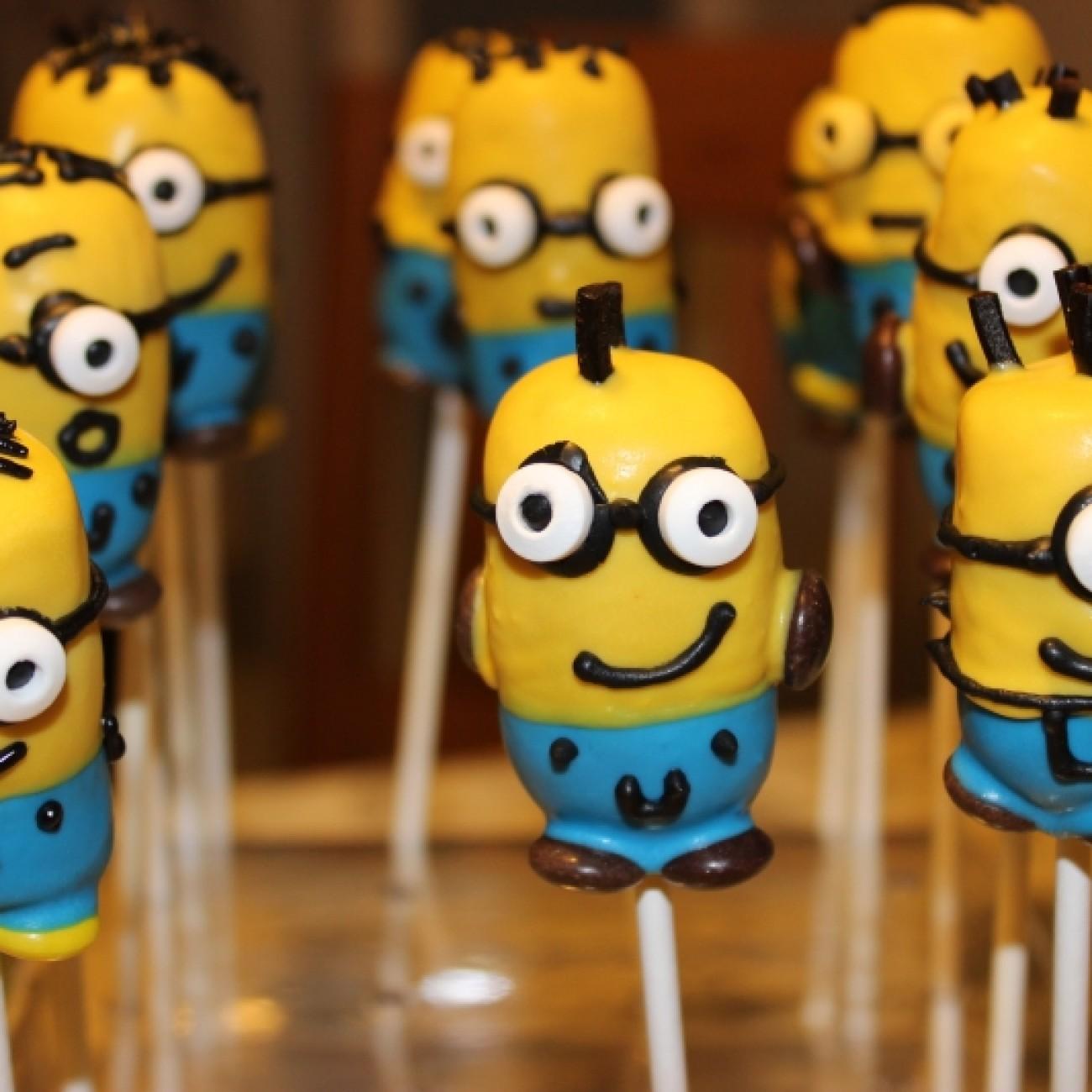 Minion Cakepops