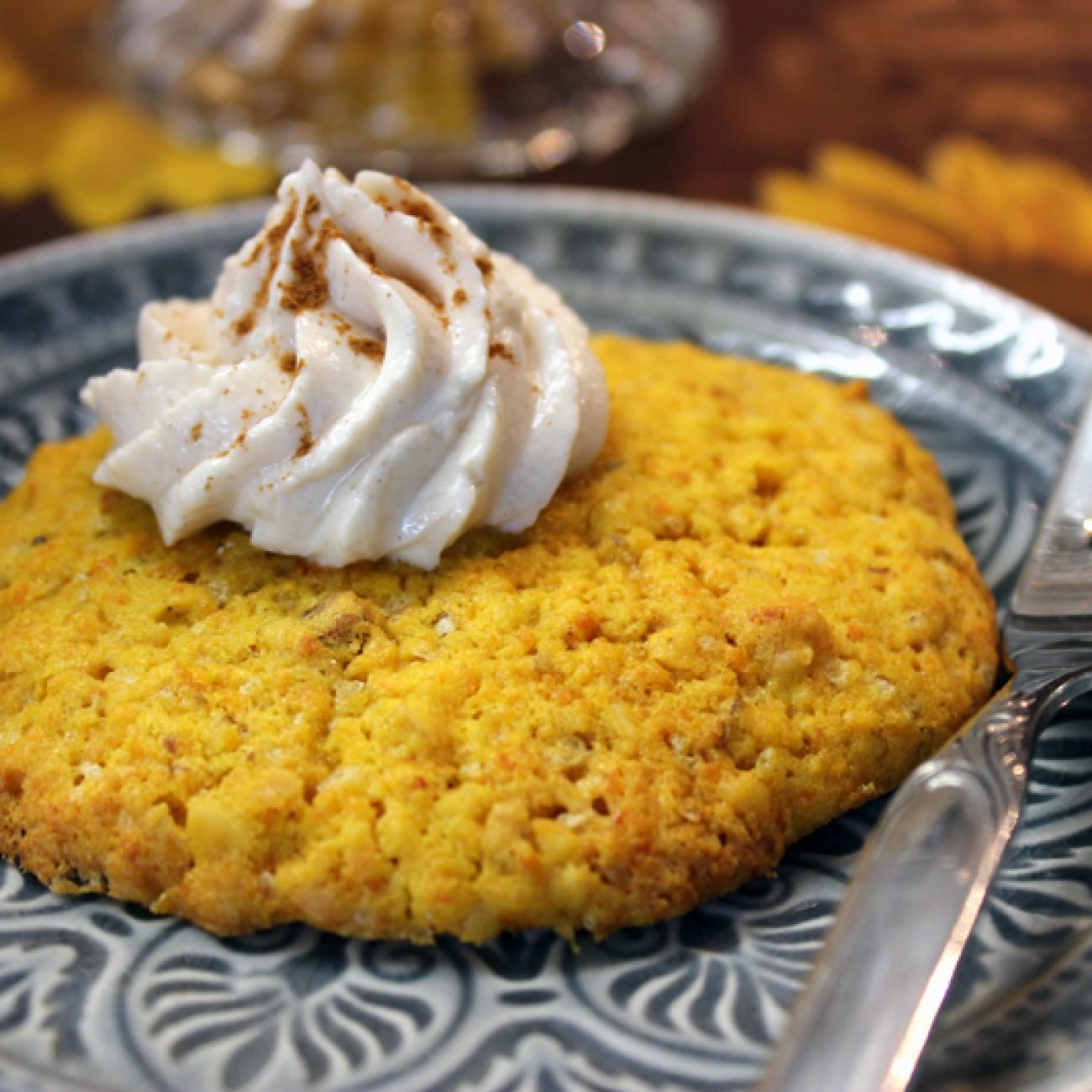 Kürbis-Nusswhookies mit Frischkäse-Zimt Creme